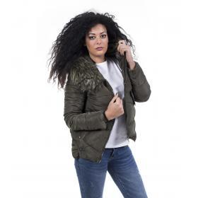 Piumino da donna corto cappuccio e pelliccia removibile