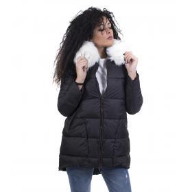 Piumino da donna alla vita con imbottitura in pelliccia e cappuccio