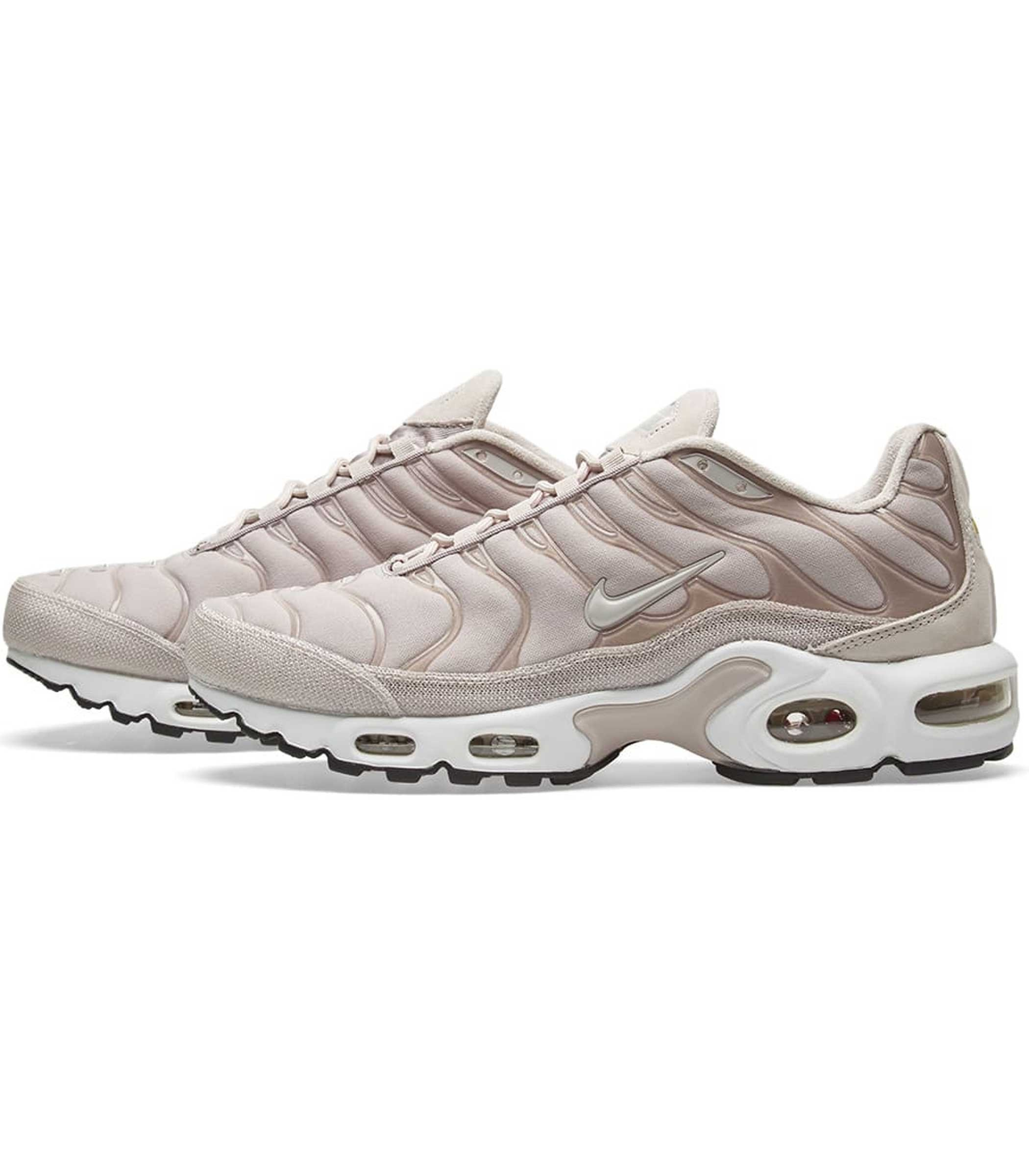 Amp; Amp; Amp; Plus Calzature per Air Max donna Nike Accessori vxqRxaUd in   aa59e6
