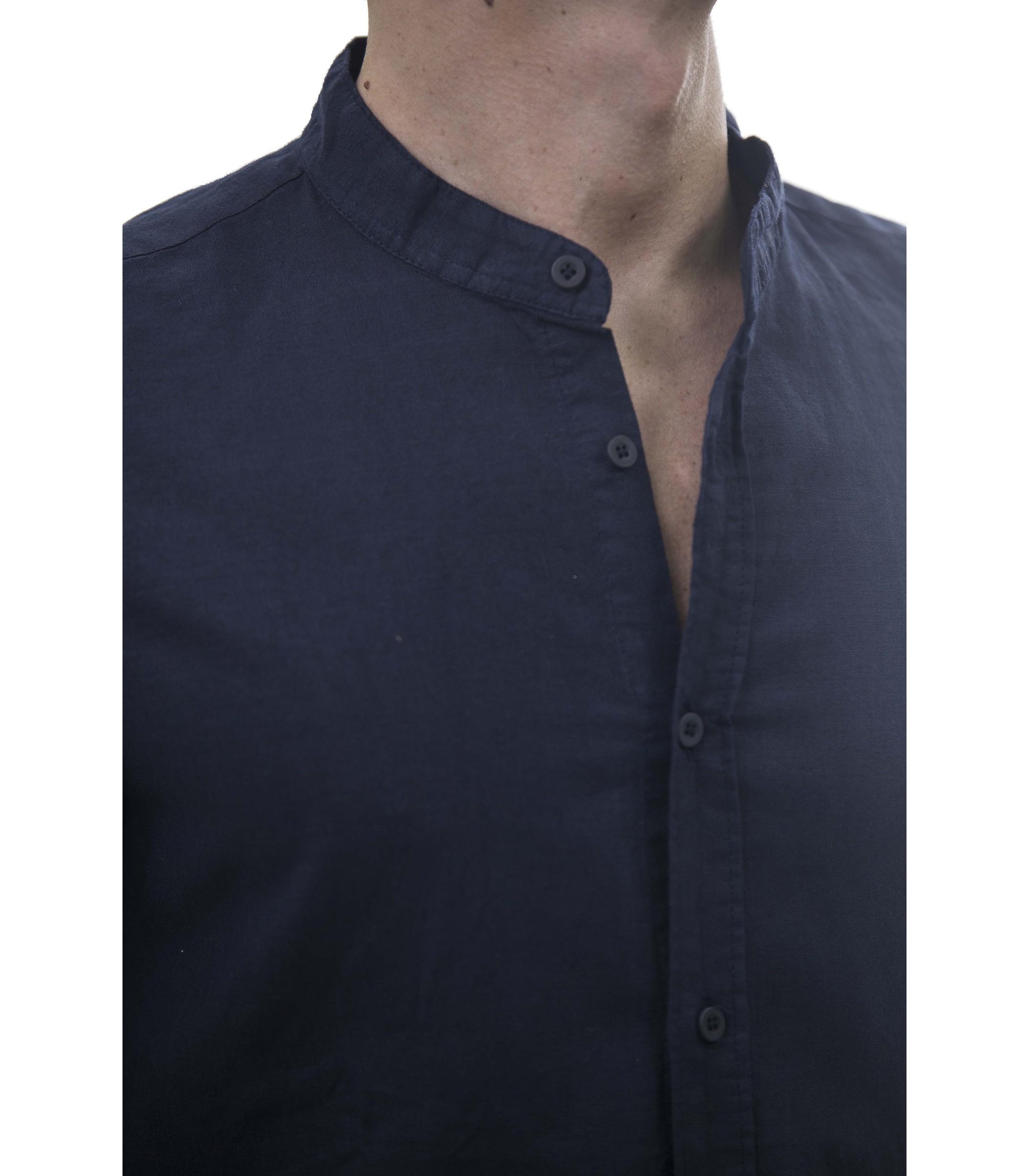 online retailer 35ea6 8c631 Camicia da uomo a maniche lunghe misto lino con collo alla ...