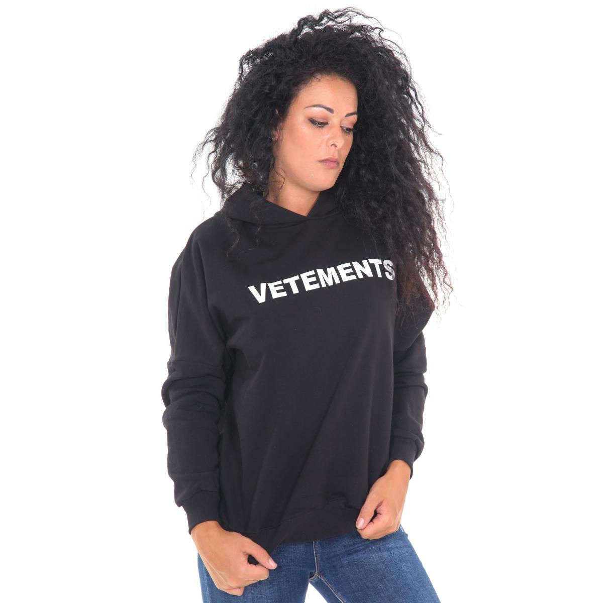 """Felpa """"Vetements"""" con cappuccio e tasche posteriori con stampe da donna Rif. V057 www.montorostore.it"""