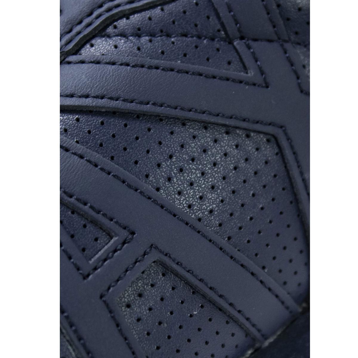 Scarpe da uomo Armani Exchange tinta unita colore blu in pelle traforata Rif. XUX017 XCC04 00285
