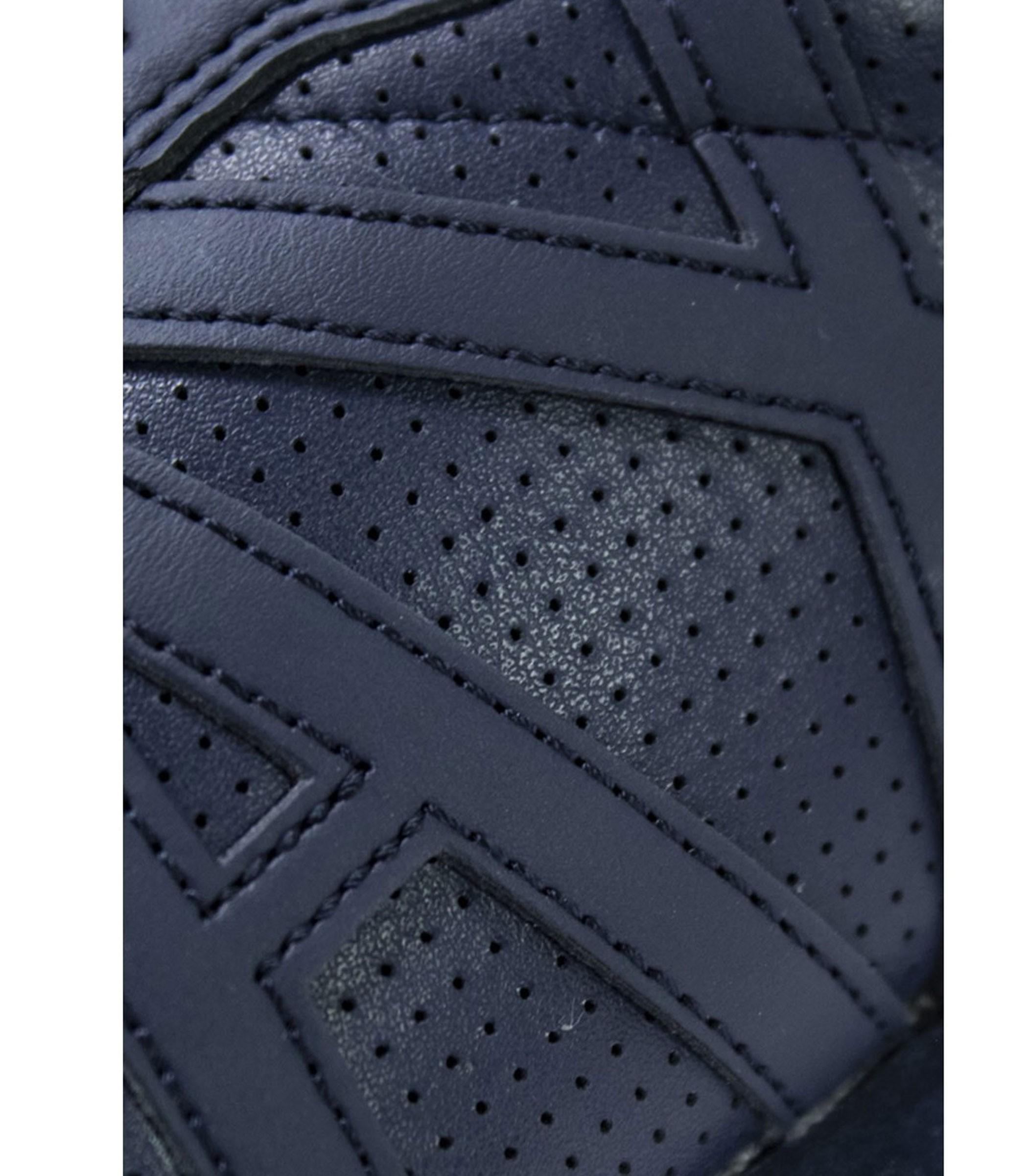 XUX017 XCC04 Scarpe da uomo Armani Exchange tinta unita colore blu in pelle  traforata Rif. XUX017 XCC04 5dd2aaef4e1