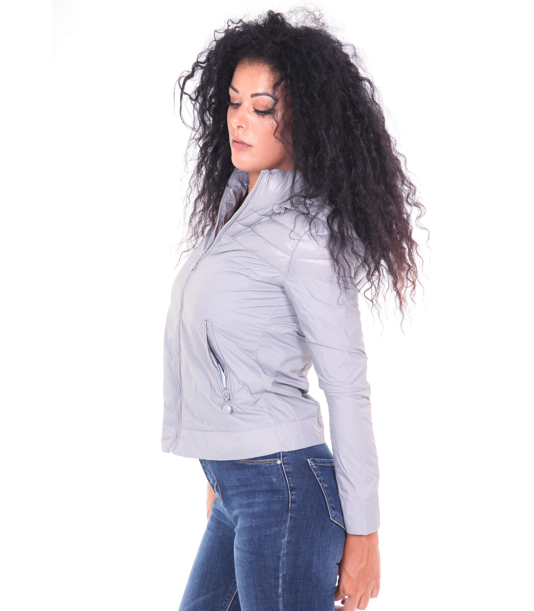 wholesale dealer 9616a 41f74 Giubbotto da donna 100 grammi leggero con cappuccio