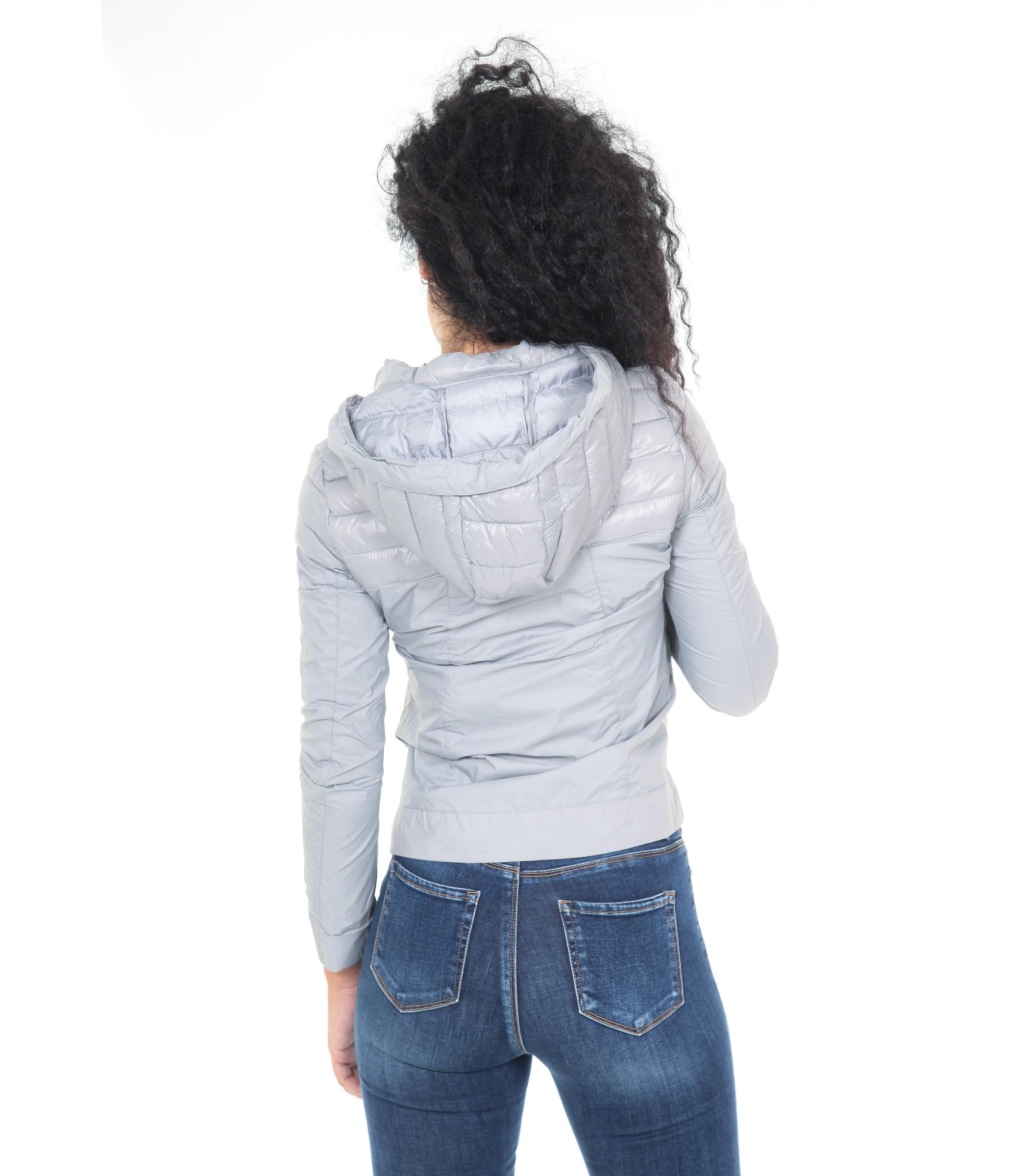 wholesale dealer 3c943 18e2e Giubbotto da donna 100 grammi leggero con cappuccio