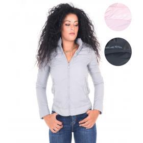 Giubbotto 100 grammi donna con cappuccio e spalle trapuntate