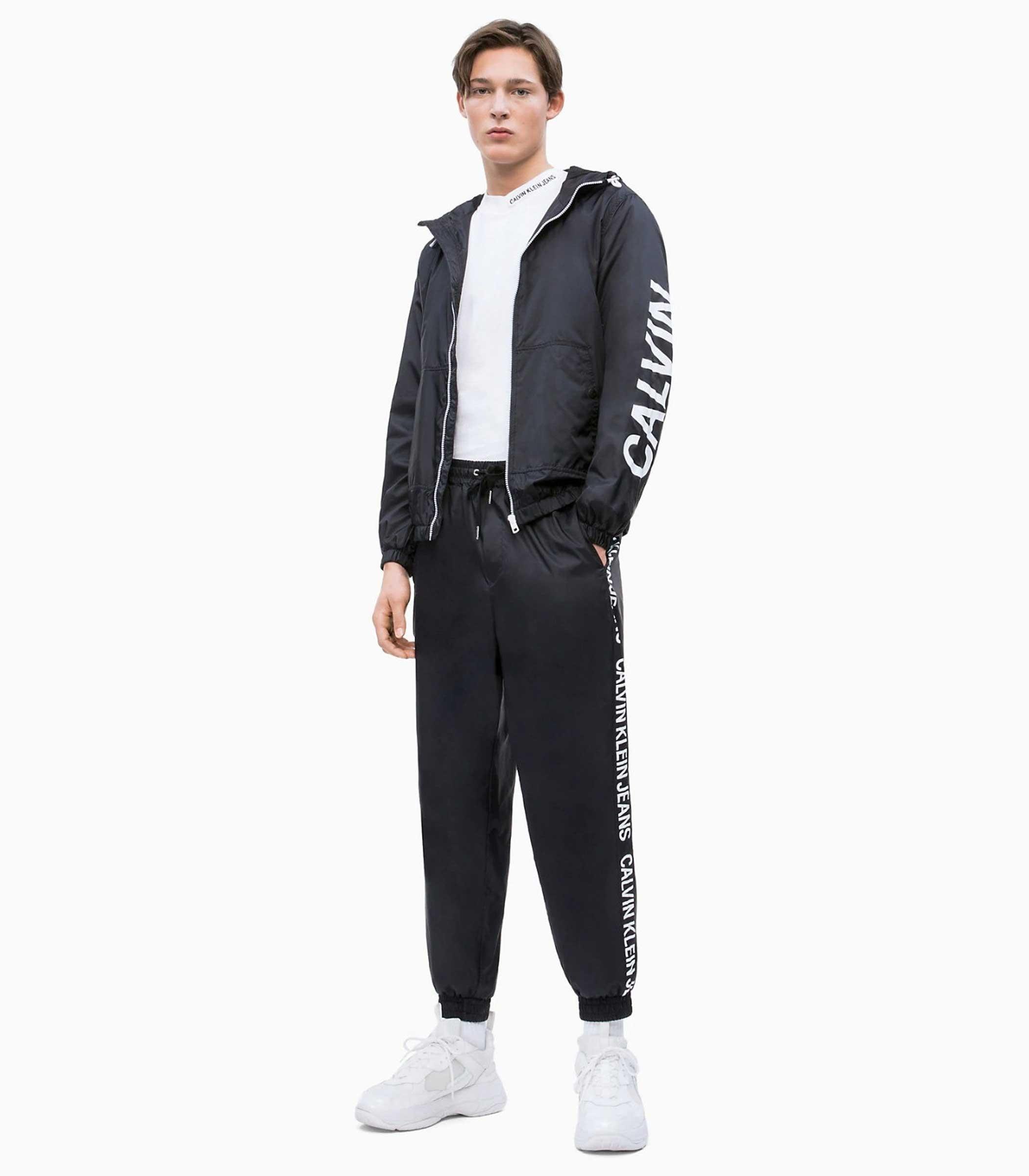 J30J311079 Giacca giubbotto Calvin Klein Jeans in nylon con logo da uomo rif . bc5c44a1e47