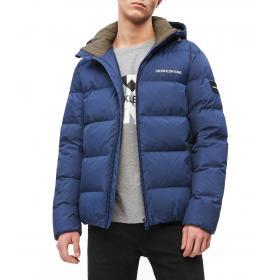 Piumino Calvin Klein Jeans imbottito con cappuccio da uomo rif. J30J312765