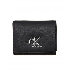 Micro portafogli Calvin Klein Jeans a tre ante con monogramma da donna rif. K60K605901