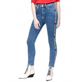 Jeans Calvin Klein Jeans CKJ 010 bande laterali con logo ripetuto da donna rif. J20J211795
