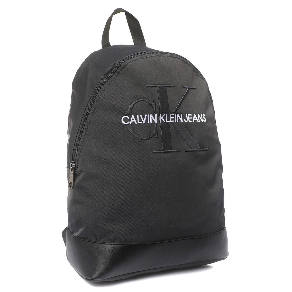 Zaino Calvin Klein Jeans in twill di nylon con maxi logo unisex rif. K50K504733
