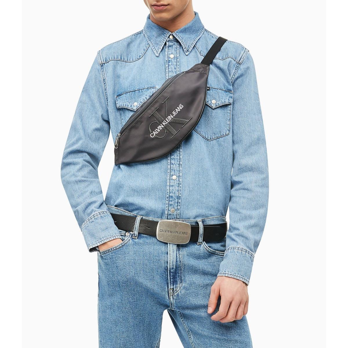 Marsupio Calvin Klein Jeans in twill di nylon con logo ricamato unisex rif. K50K504740